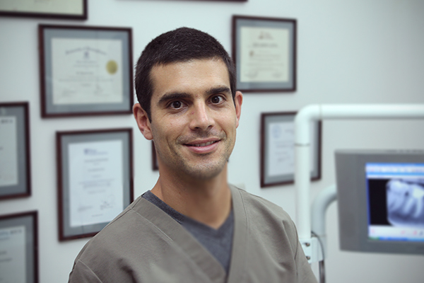 Dr. Esteban Ulate Rodríguez. DDS