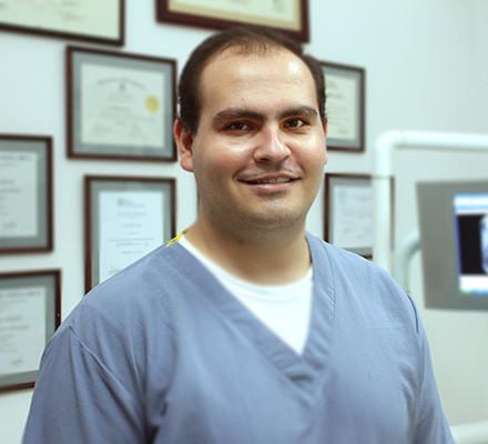 Dr. Mauricio Montealegre. DDS